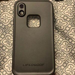 iPhone XR black life proof